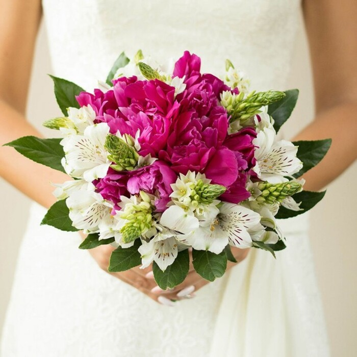 EVERLASTING LOVE BRIDAL BOUQUET WITH BRIDE